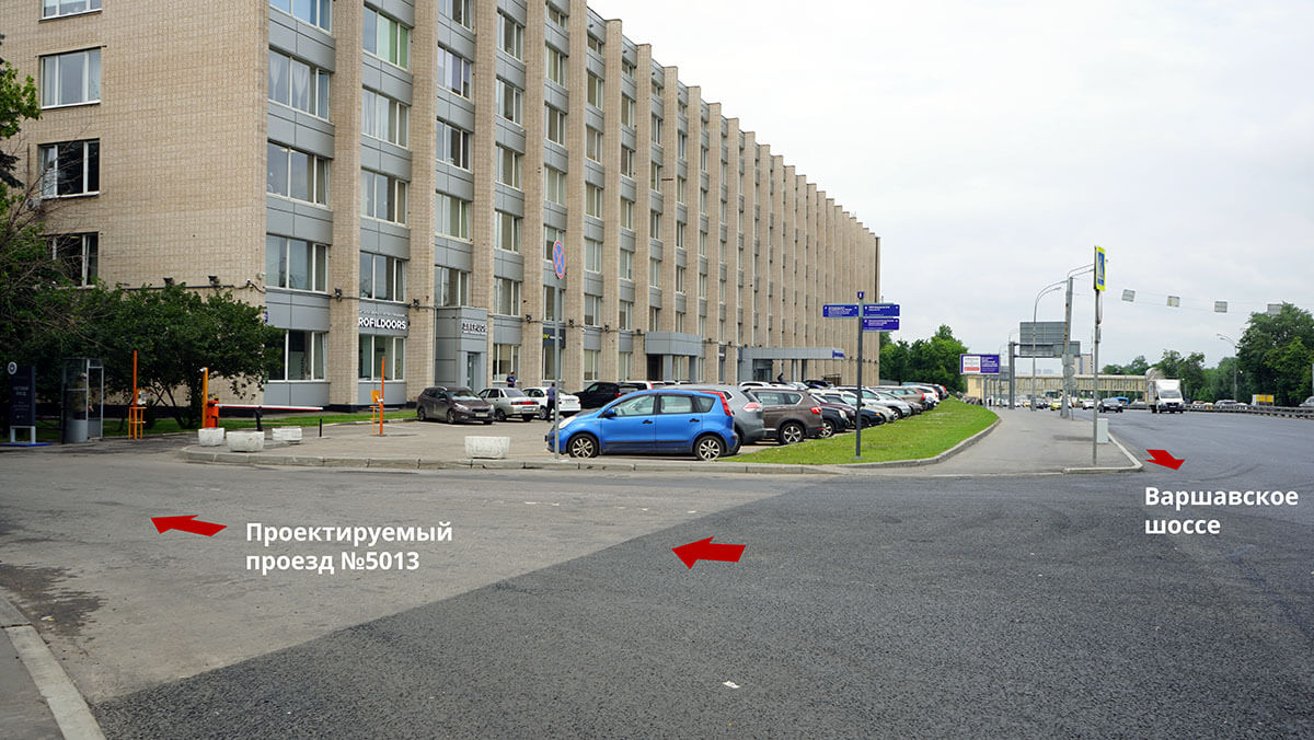Поворот с Варшавского шоссе на Проектируемый проезд 5013 на склад RIWA
